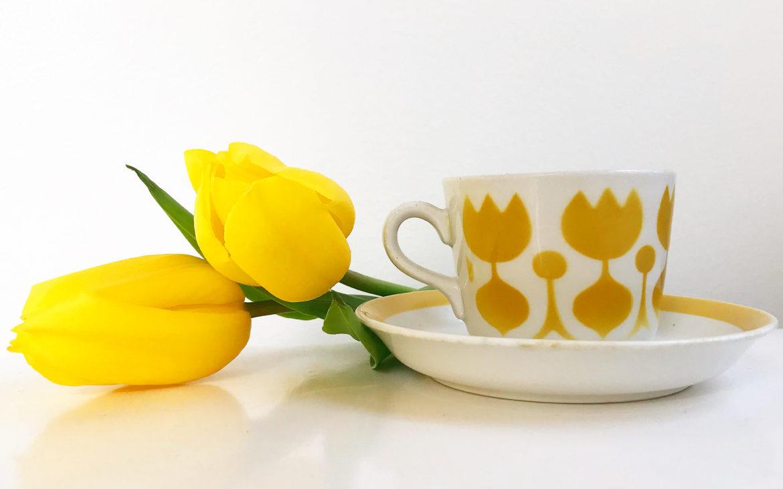 Elluyellow keltainen kahvikuppi