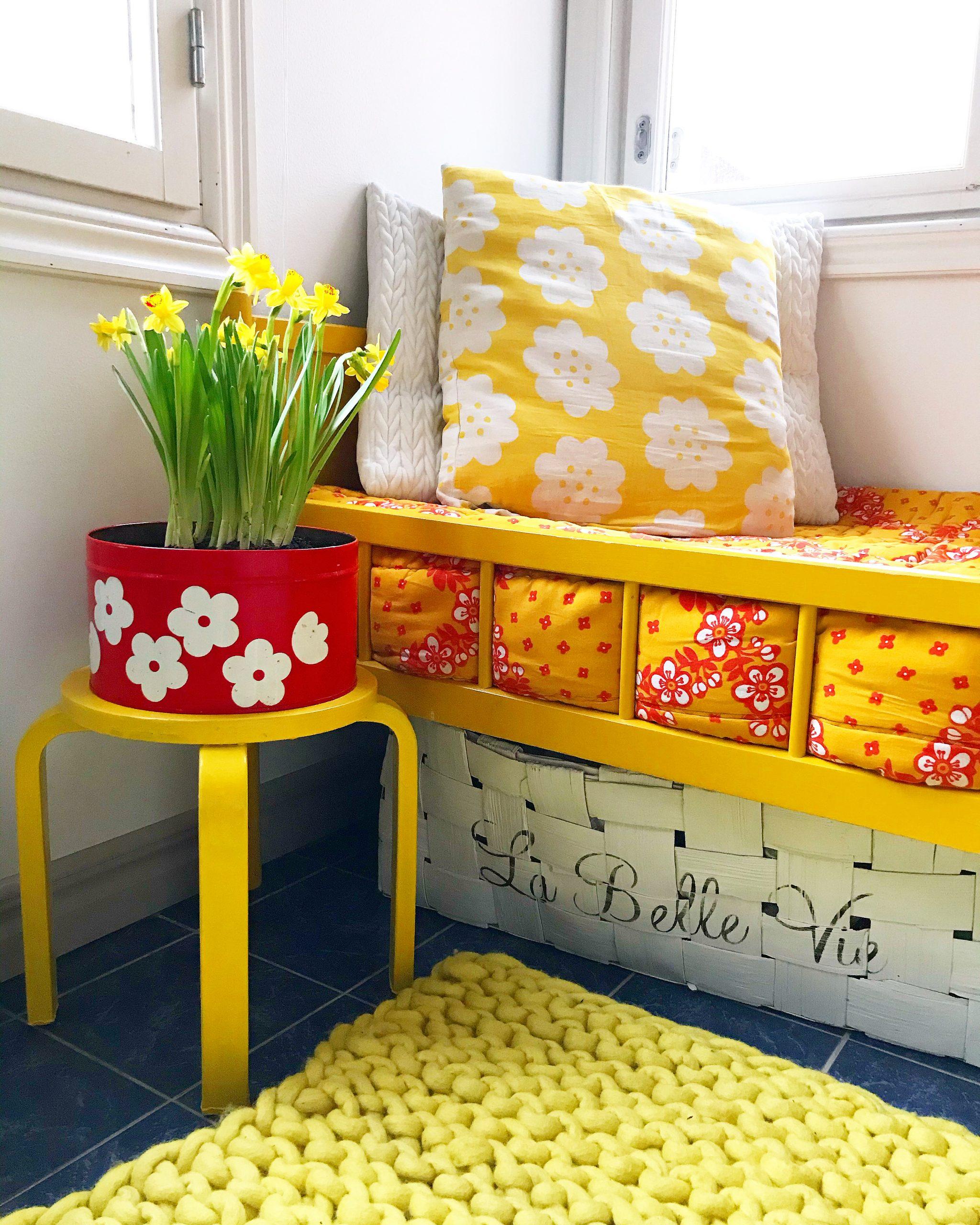 Elluyellow keltainen retro koti