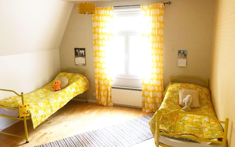 Elluyellow keltainen lastenhuone