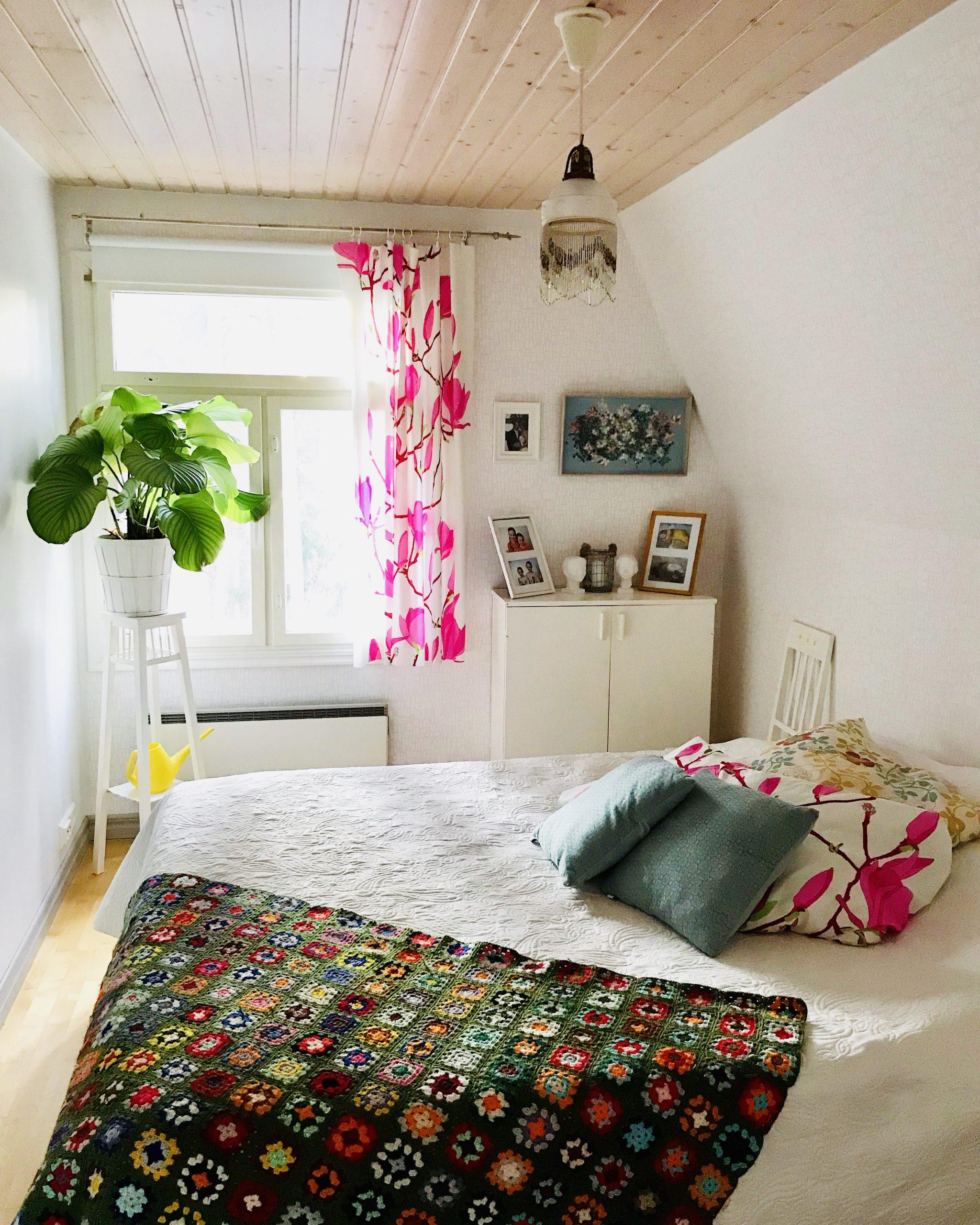 Elluyellow värikäs makuuhuone
