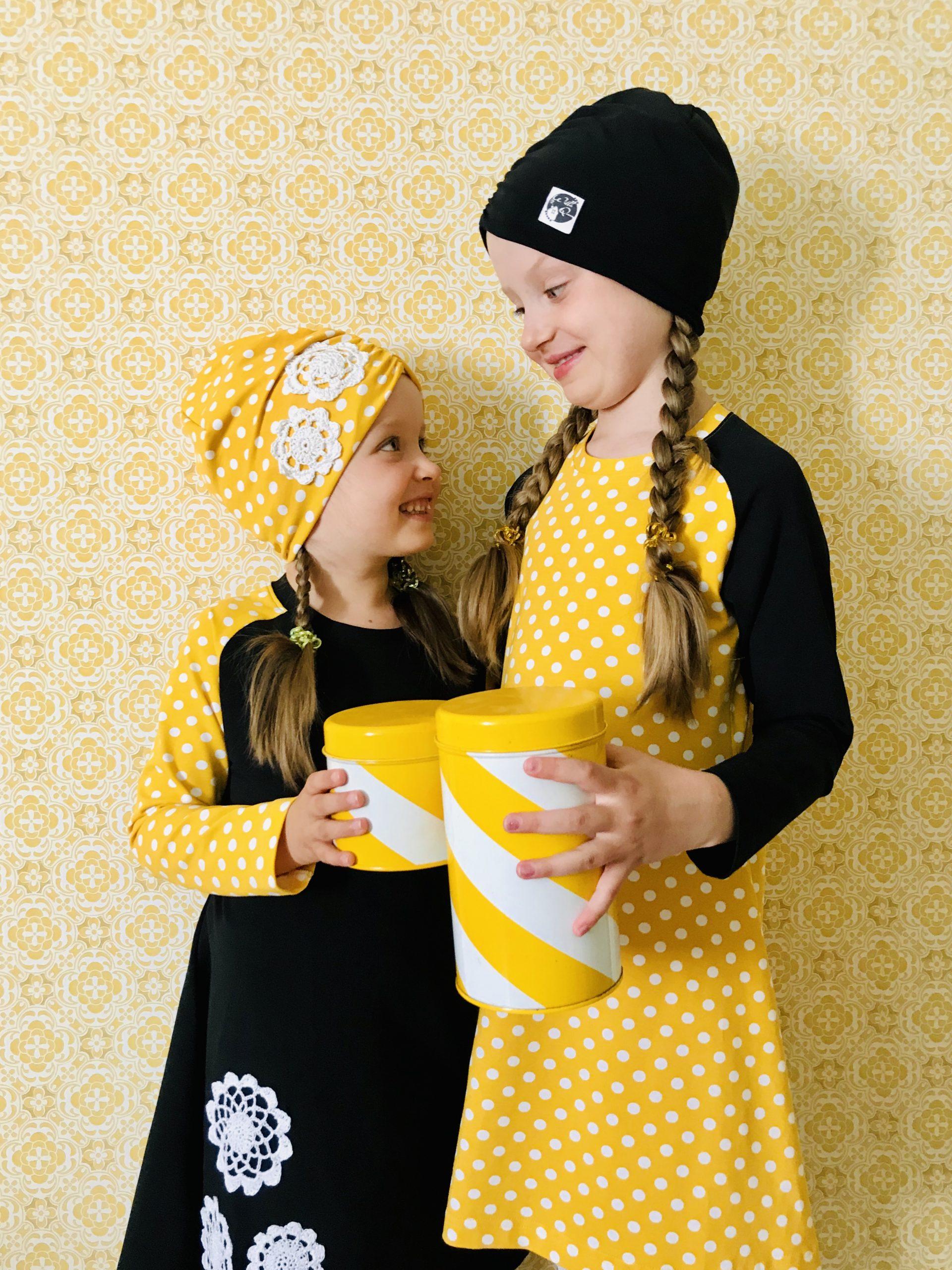 YellowQuu lastenvaatemallisto, Elluyellow Keltainen retrokoti