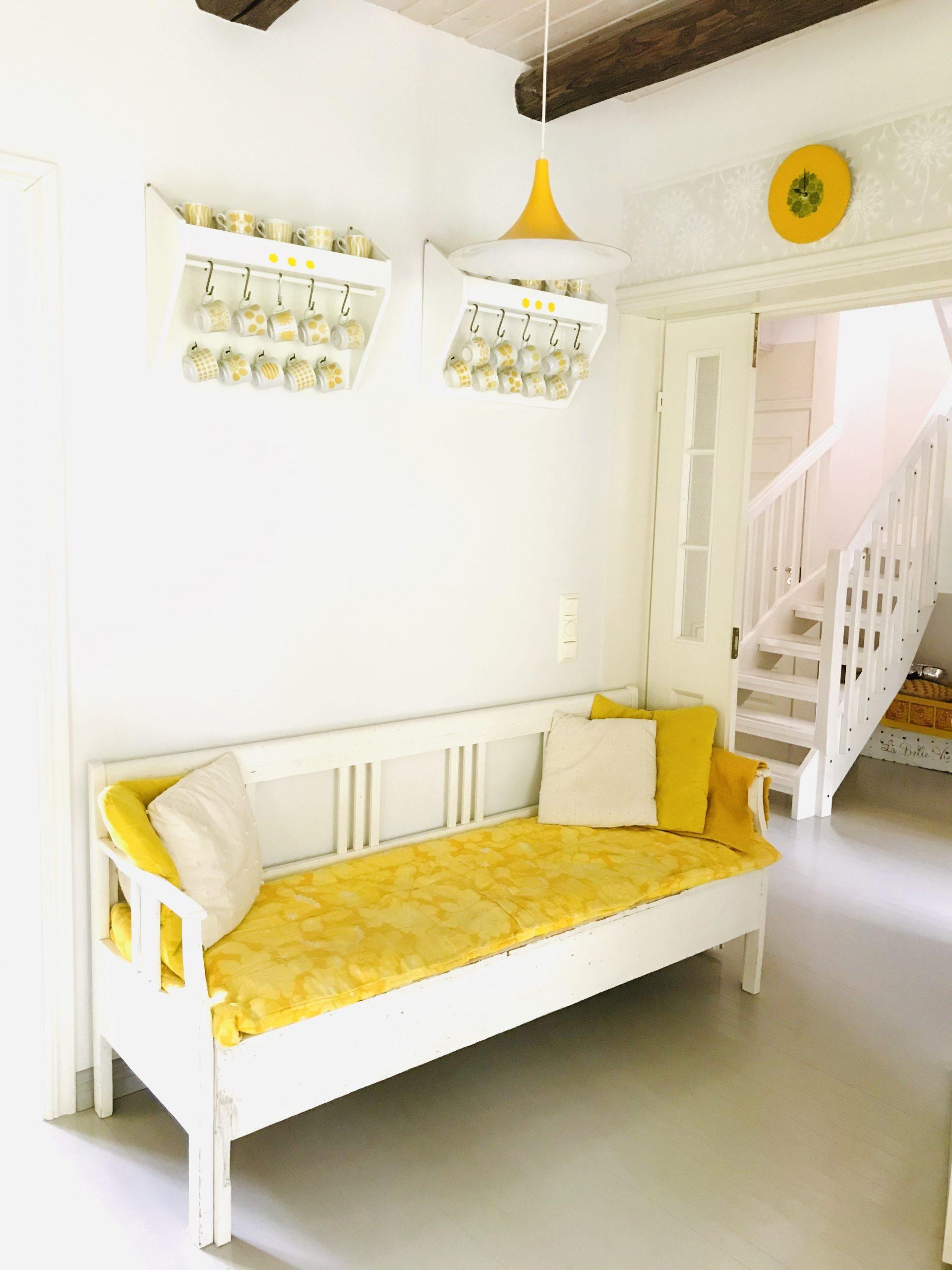 Elluyellow keltainen tupa