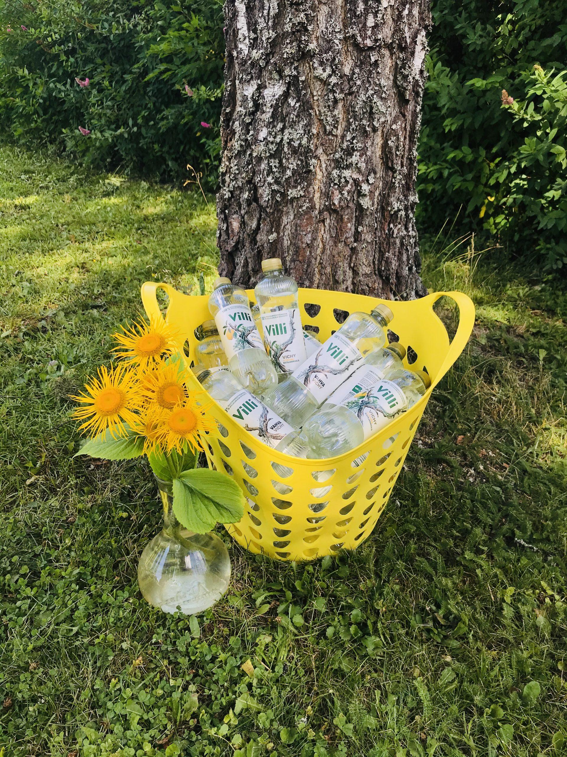 YellowQuu julkaisujuhlat Elluyellow puutarhassa Villivedet