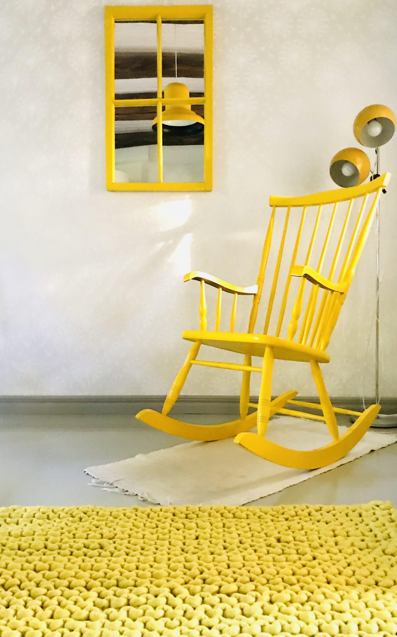 Elluyellow keltainen Sukhi-matto ja retro sisustus