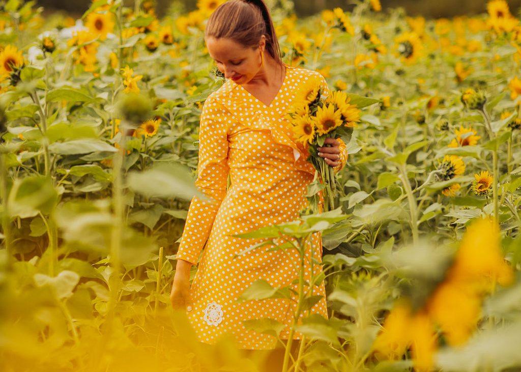 Elluyellow ja auringonkukat