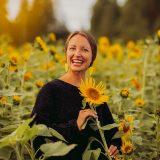 Auringonkukkien, onnen ja kiitollisuuden täyteisiä kuvia sekä YellowQuun sievä syysmallisto 2021