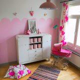 Laadukkailla kalkkimaaleilla ja pinkeillä piparkakkureunuksilla uusi värikäs ilme lastenhuoneisiin: Frenchic Paint